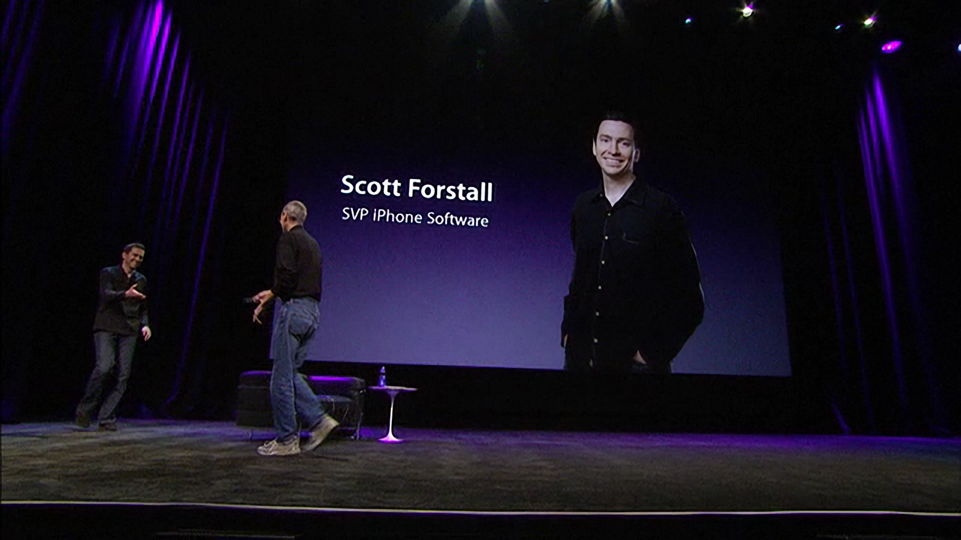 Scott Forstall was tasked with selling third-party developers on making apps for the iPad.